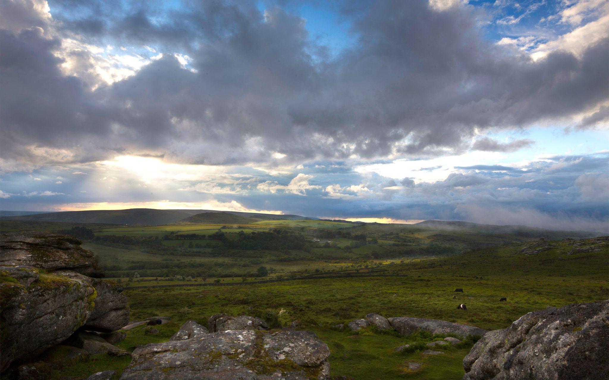 Dartmoor, Devon. Between Saddle Tor and Bone Hill rocks, looking west. Carey Marks Photography